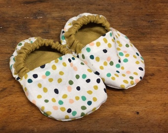 Candy dots baby shoes