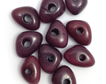 Tagua triangles, wine red, 10 pieces, 8mm, Taguaperle