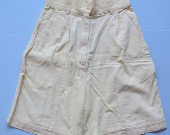 HUGE SALE 70s/80s Vintage Yellow Linen Button Up High Waisted Shorts Small