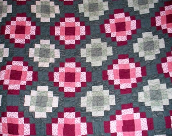 Maroon-Green FULL SIZE QUILT - 76X88