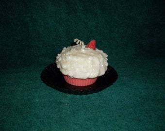 Grubby Cupcake Candle Strawberry Passion and Vanilla