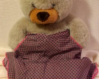 Brown and pink half apron
