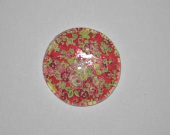 Cabochon 25 mm round domed with red and green flowers liberty image