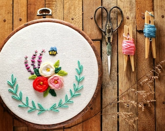 Bee in the garden Embroidery Hoop Wall Art Decor, embroidery home decor, wall art , embroidery wall hangings, wall hangings,hand embroidery