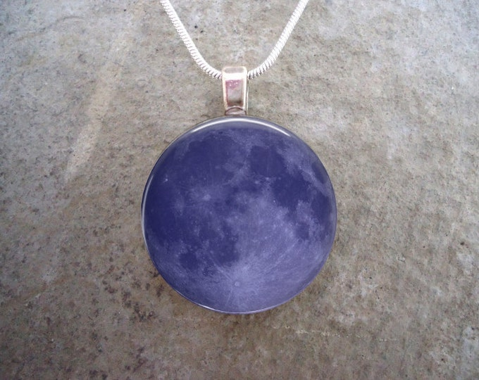 Blue Moon - Full Moon Jewelry - Glass Pendant Necklace - Astronomy Jewellery
