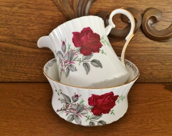 ROYAL STAFFORD ROSES To Remember Cream & Sugar -Red Roses Cream Sugar Set - Royal Staffford Roses To Remember Red Fluted