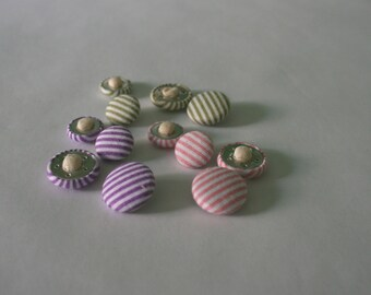 Large and small lined buttons in white & pink/green/purple fabric - Sets of 4