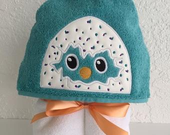 Hatching Egg Hooded Peeker Towel