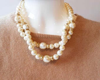 Pearl Necklace, Vintage Necklace, Vintage Jewelry. Single Strand, Opera Length, Glamorous Pearls,