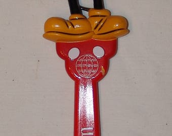 Walt Disney World Mickey Mouse Vtg Plastic Back Scratcher Theme Park Retro Rare