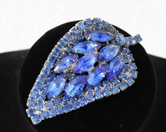 Vintage 50's Dark Blue Rhinestone  Brooch