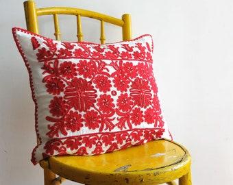 Vintage Transylvanian pillow, hand embroidered pillow, red and white embroidered pillowcase, ethnic pillow, decorativ pillow, CAS144