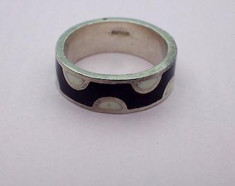 Funky vintage silver enamelled black and white band ring 1990s designer