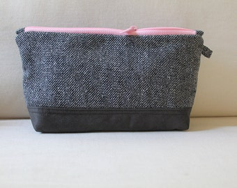 Wool Clutch, Charcoal diaper wristlet, Suede zipper pouch, Bridesmaid clutch, Cosmetic zip pouch, Black small makeup bag, Zipper case Gray