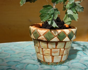 Plant pot of mosaic with marble pieces, land house style.