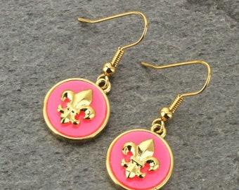 Fleur De Lis Earrings Gold/Pink