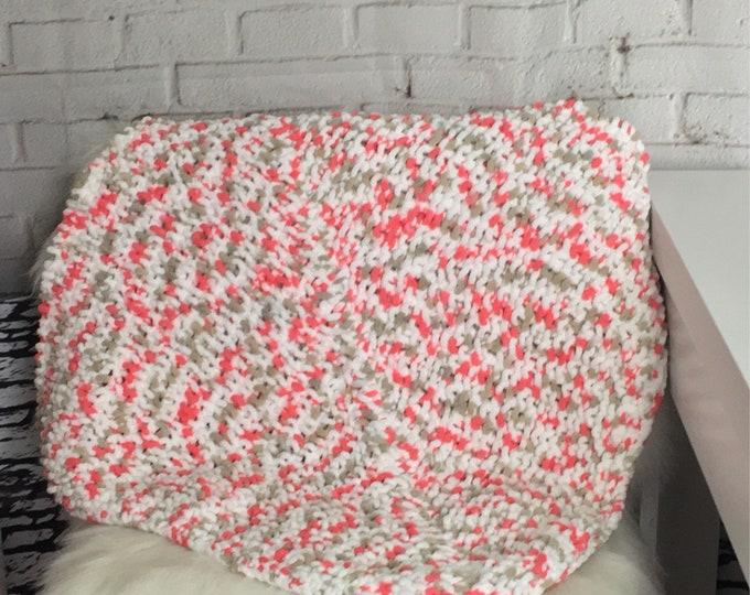 knit cat blanket / cat blanket / knit dog blanket / boho pet / new pet gift / gift for cat / gift for dog / gift for pets / handmade gift