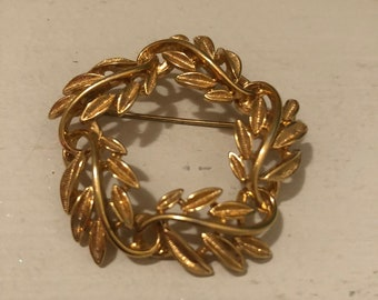 Gorgeous vintage brooch by Napier.