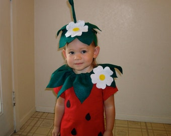 Baby diy strawberry do it yourself baby costume halloween kids diy strawberry do it yourself kids costume halloween costume strawberry costume solutioingenieria Image collections