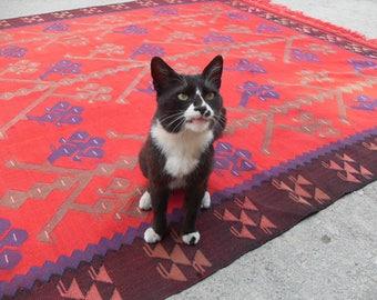 Red kilim rug, red rug, 108'' x 76'', red area rug, Kilim rug, Vintage Turkish rug, kelim rug, vintage rug, bohemian rug, eccentric rug,