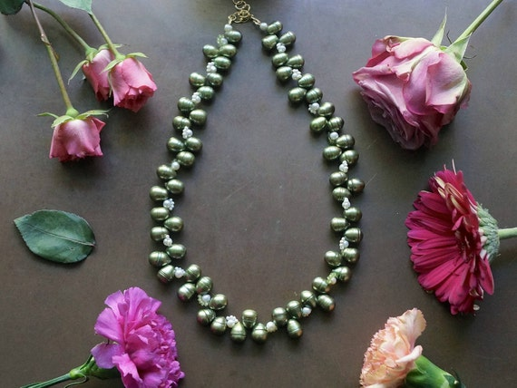 Freshwater pearl necklace - green