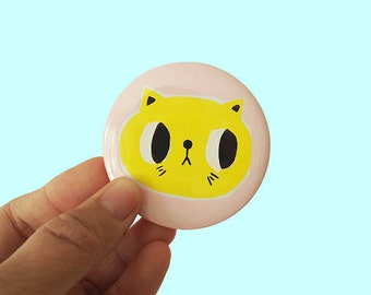hand painted badge, cat badge, cat button, cat lover badge, cat lover pin, cat pin, pey chi, heart pin, heart badge, 58mm badge, cute badge,