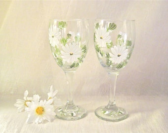 Free shipping Daisy set of two wine glasses hand painted