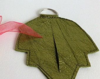elegant leaf poo bag holder