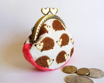 Hedgehog coin purse, kiss lock frame with hearts, cotton, Japanese print - ready to post