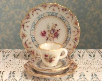 Miniature Heirloom Roses Dishes Kit