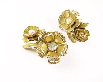 Vintage AB Rhinestone Earrings, Flower Gold Tone, Bridal, Aurora Borealis / Vintage Wedding - Boucles d'Oreilles.