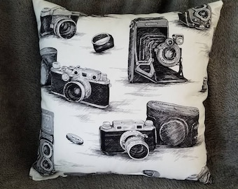 Vintage Camera Throw Pillow, Vintage Camera, Throw Pillow, Camera Throw Pillow, Vintage, Vintage Cameras, Accent Pillow, Accent Throw Pillow