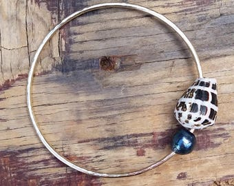 Blue Edison Pearl Hebrew Shell Gold Fill Bangle, Hammered Gold Filled Hawaii Jewelry, Stacking Beach Bangles, Beachy Boho Mermaid Summer