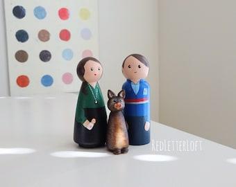 Peg Doll Family Portrait//Family Portrait Gift//Personalized Peg Dolls and Pets//Personalized Pet Gifts//Custom Dollhouse Family