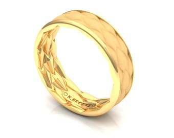 Dragon Scale Wedding Ring in Yellow Gold