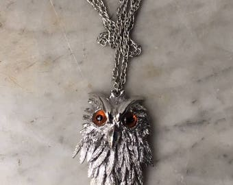 Large Vintage Owl Necklace // Segmented Amber Eyes Silver Tone Chain Pendant // Movable Feathers Articulated Body Mid Century Animal Jewelry