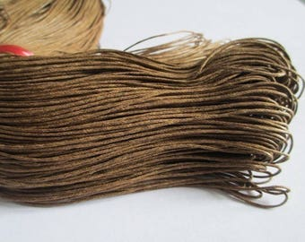 5 Metters Brown waxed cotton thread 1 mm
