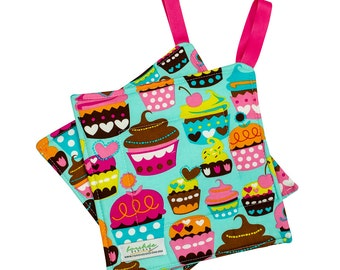 Quilted Trivet | Insulated Pot Holder | Square Hot Pad | Hanging Hotpad | Thermal Hot Pad | Cupcakes | PH0013