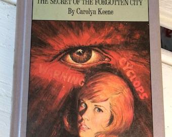 Nancy Drew Mystery of the Glowing Eye