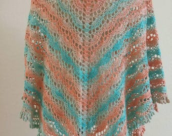 Shawl with soft tones