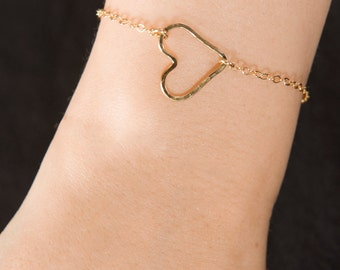 Hammered Wire Heart Bracelet, Delicate open heart bracelet,  14K Gold Filled, Sterling Silver, or Rose Gold Filled