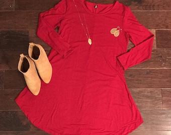 Red tunic, Women's clothing, Lou la roe style, Long shirts, Tunic, Fall, Fall clothes, Fall fashion, Fall trends,