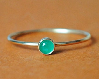 Emerald Ring/ 14k Solid Gold/Gemstone/Thin Green Ring/Tiny Ring/Stacking Ring/May/Custom Teeny Weenie Simple Stacker Emerald Ring *14k Gold*
