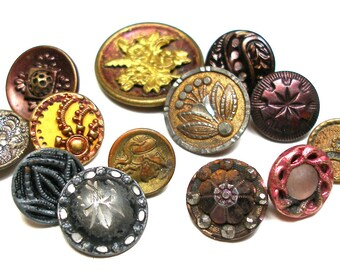 Antique BUTTONS, 13 Victorian mixed lot of metal shabby chic with flowers.