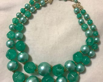 Gorgeous Green Pearl Beaded Choker Necklace Retro 50s Hong Kong Spring Style