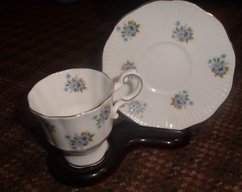 vintage tea cup saucer set rosina bone china england dainty flower