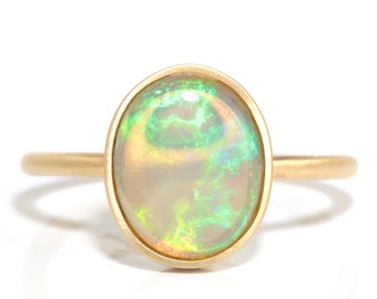 Opal 18 kt gold ring | Australian crystal opal | all natural untreated | Handmade | stackable ring | reclaimed | recycled gold