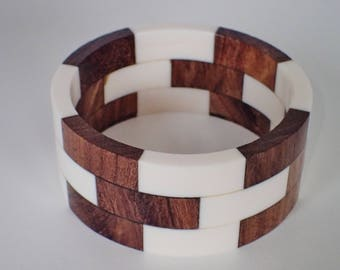 Very Unique Vintage White Lucite And Wood Bangle Bracelet