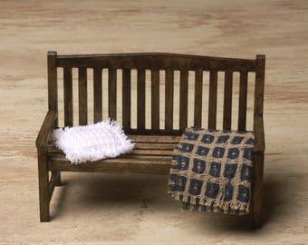 Miniature Garden Bench for Your Dollhouse