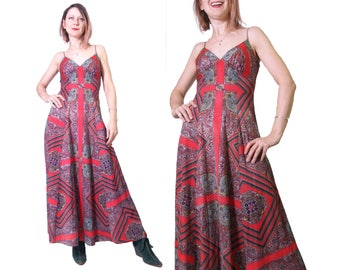 1970s Paisley Print Knit Dress